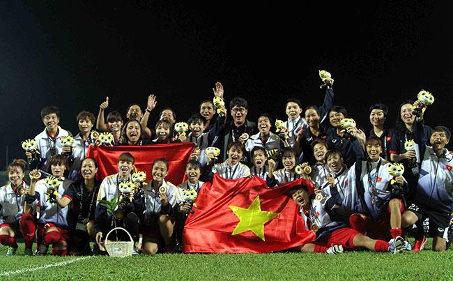 Sếp đội tuyển nữ VN lên tiếng vụ cầu thủ nữ góp tiền mua tivi cho HLV - 1