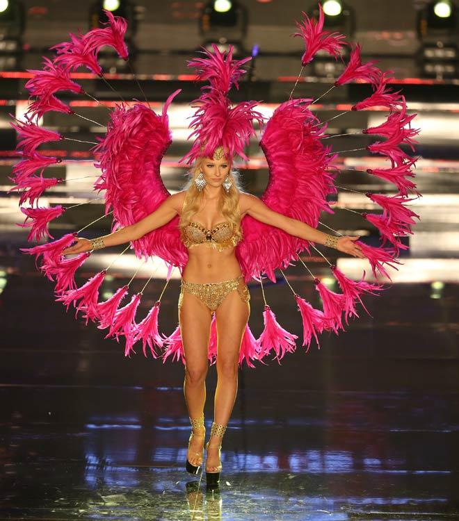 Quốc phục như bikini áp đảo hoàn toàn tại Hoa hậu Hòa bình - 11