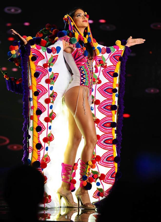 Quốc phục như bikini áp đảo hoàn toàn tại Hoa hậu Hòa bình - 13