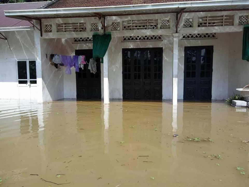 Chương Mỹ - Hà Nội: Làng mạc biến thành sông, dân vật lộn trong biển nước - 5