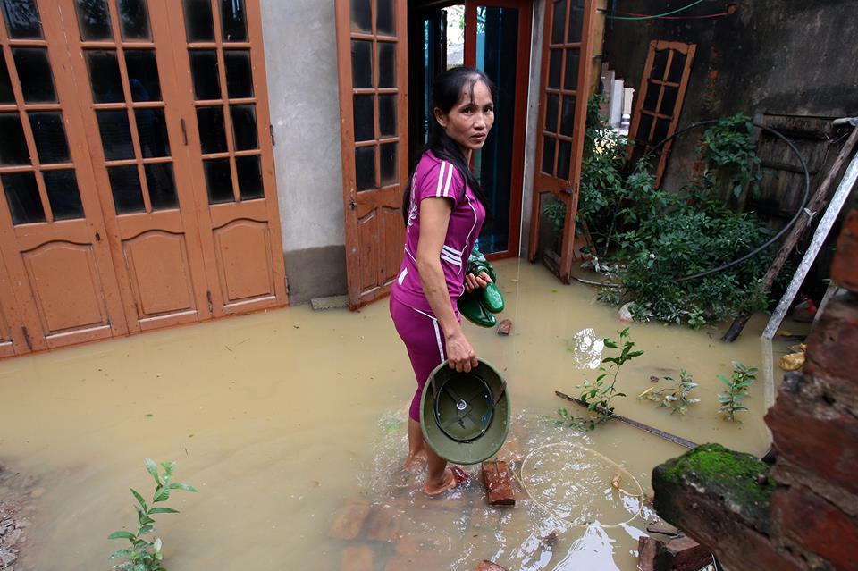 Chương Mỹ - Hà Nội: Làng mạc biến thành sông, dân vật lộn trong biển nước - 7