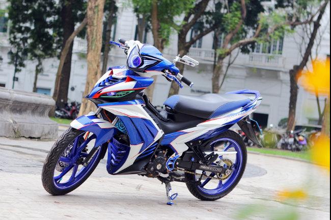 """Theo chuyên trang Motohits.com, Yamaha Exciter 135 ở Việt Nam còn được biết đến với tên gọi là Yamaha New Jupiter MX ở Indonesia. Motohits.com đánh giá mẫu Exciter 135 độ của dân chơi Hà Nội này thực sự là mẫu xe """"nóng"""" nhất và thể hiện một tầm nhìn cực kỳ tinh tế của tác giả. Ảnh Exciter 135 độ của dân chơi Hà Nội. Nguồn: Motohits.com"""