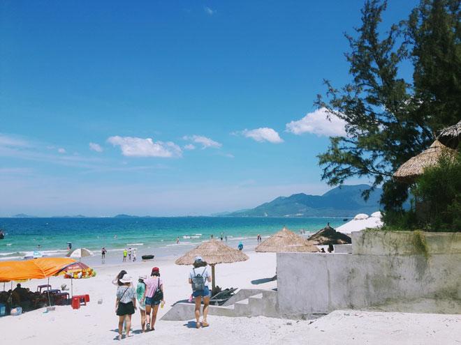"""Ở Nha Trang có một bãi biển đẹp """"thần sầu"""", chẳng kém gì Hawai - 3"""