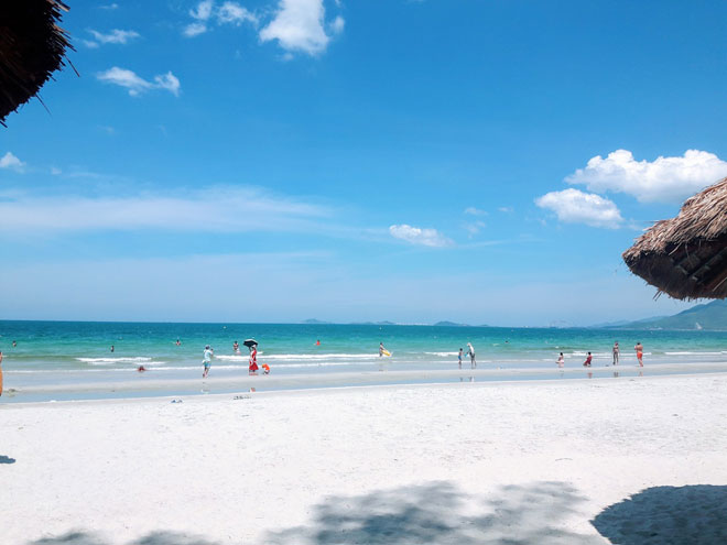 """Ở Nha Trang có một bãi biển đẹp """"thần sầu"""", chẳng kém gì Hawai - 4"""