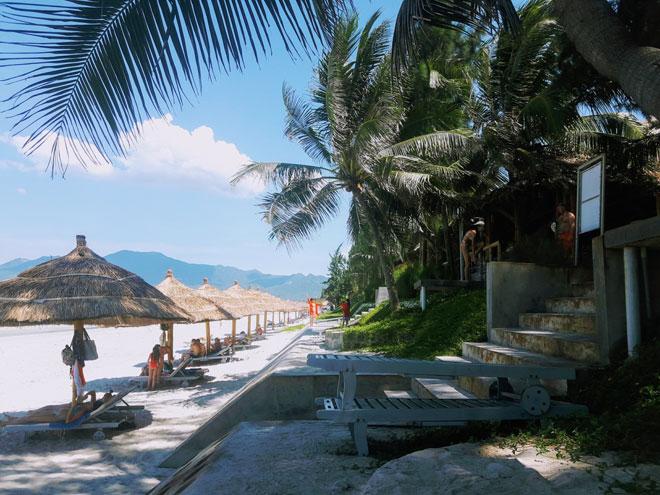 """Ở Nha Trang có một bãi biển đẹp """"thần sầu"""", chẳng kém gì Hawai - 6"""