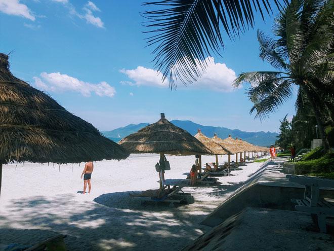 """Ở Nha Trang có một bãi biển đẹp """"thần sầu"""", chẳng kém gì Hawai - 7"""