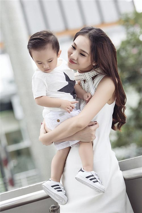 """Phản ứng của mỹ nhân Việt khi bạn trai """"quất ngựa truy phong"""" - 4"""