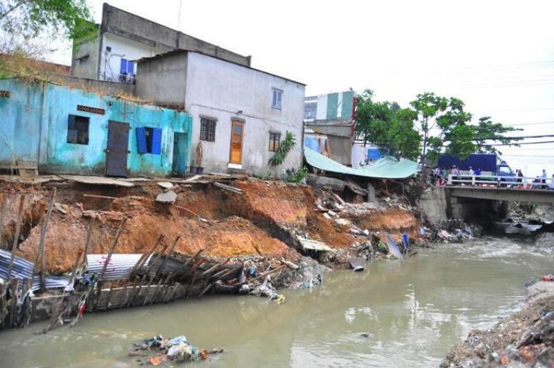 Phó Chủ tịch TP Biên Hòa bị kỷ luật vì bờ kè sập đổ - 1