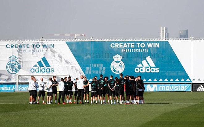 """Real: Benzema trở lại phục vụ, Ronaldo """"tập bắn"""" điên cuồng - 1"""