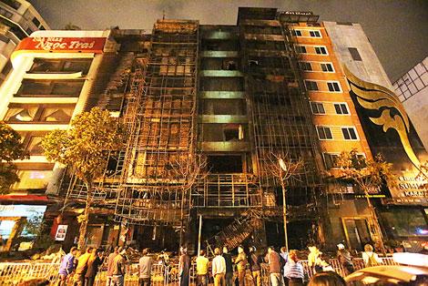 Vụ cháy quán karaoke 13 người chết: Đề nghị khởi tố nữ chủ quán - 2