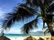 """Du lịch - Ở Nha Trang có một bãi biển đẹp """"thần sầu"""", chẳng kém gì Hawai"""