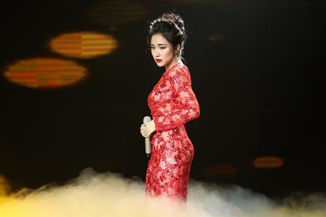Chia tay Công Phượng 1 năm, Hòa Minzy thay đổi hình tượng 180 độ - 3