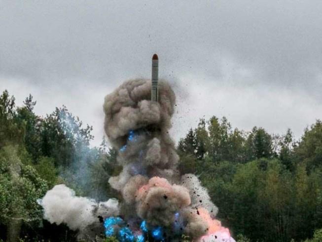 Đáp trả NATO, Nga đưa tên lửa tới 'yết hầu' châu Âu - 1