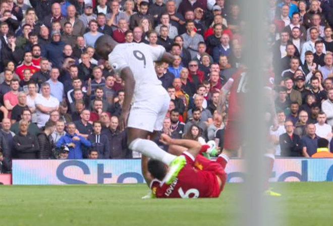 """MU """"ru ngủ"""" hòa Liverpool: Lukaku bị chê """"vô hại"""", đáng nhận thẻ đỏ - 2"""