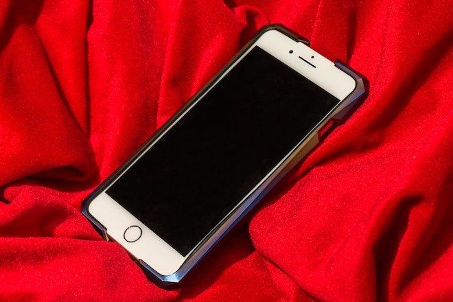 """Chiếc ốp siêu độc này có giá """"chát"""" hơn cả iPhone 8/8 Plus, iPhone X - 9"""