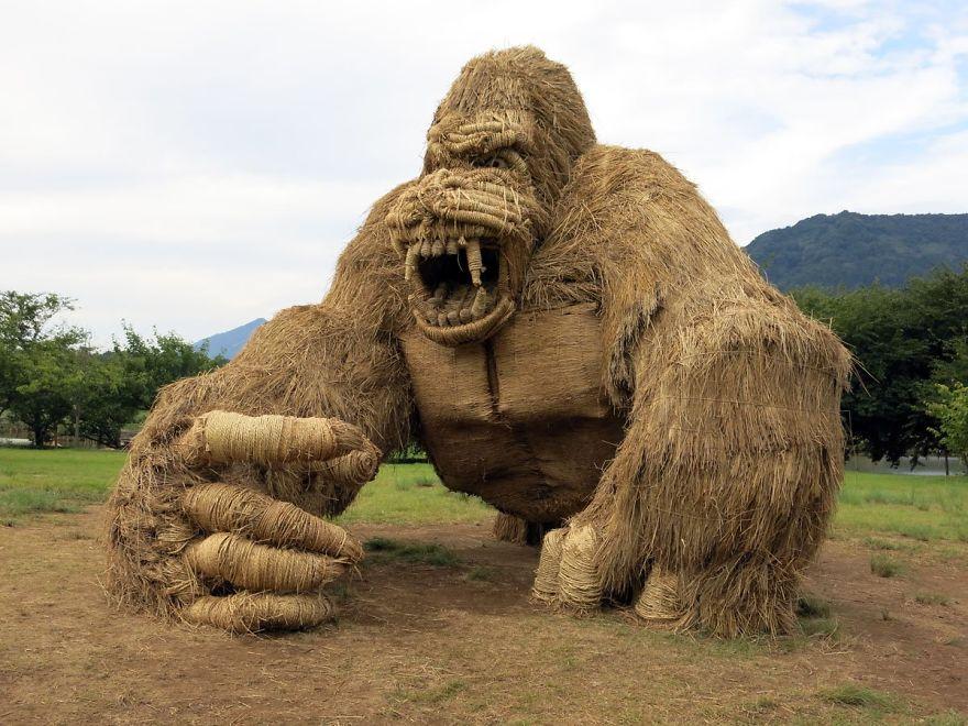 """Choáng với cánh đồng toàn """"quái vật"""" khổng lồ - 1"""