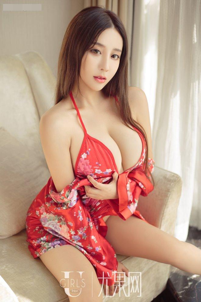 """Từ gái quê, mỹ nhân này vụt trở thành """"thánh nữ siêu vòng 1"""" của Trung Quốc - 1"""