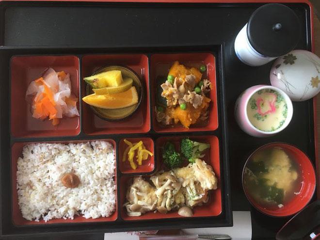 Choáng với mâm cơm ở cữ không khác gì nhà hàng của các mẹ Nhật - 8