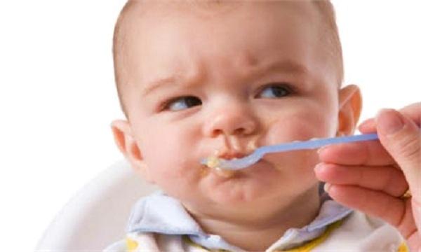 6 sai lầm các mẹ thường mắc khi cho con ăn - 3