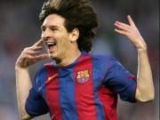 """Tròn 13 năm Messi ra mắt Barca: Từ """"chàng còm"""" hóa thành """"Thánh sống"""""""