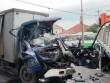 """Đầu xe tải """"biến mất"""" sau va chạm khủng khiếp, 1 người tử vong"""