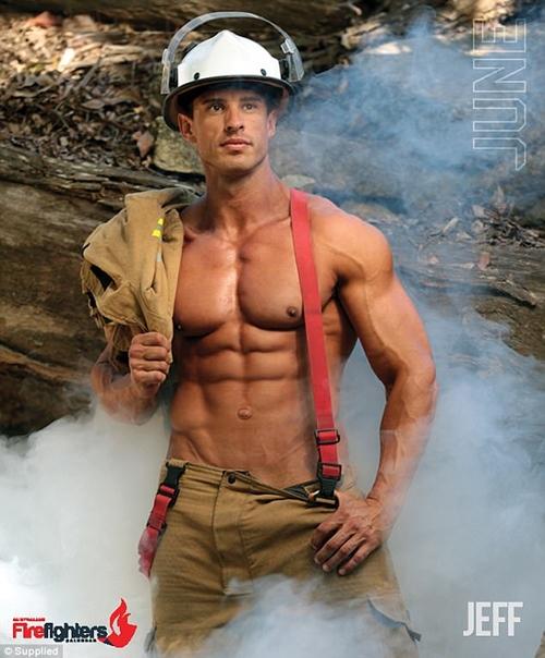 Các chàng lính cứu hỏa Úc đốn tim với vẻ đẹp ngang siêu mẫu - 2