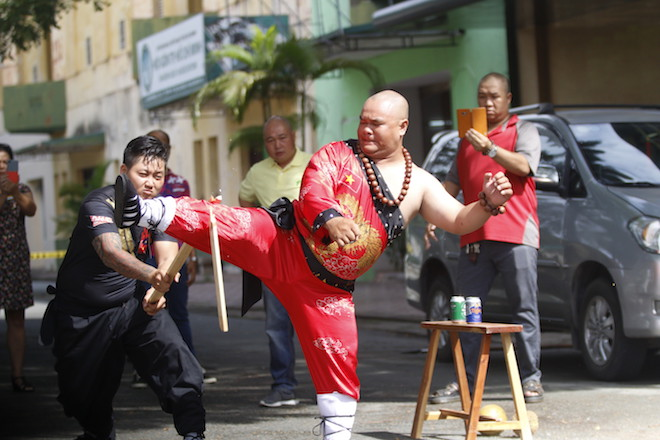 Những hình ảnh ấn tượng của bậc thầy kung-fu VN đi tìm kỷ lục TG - 2