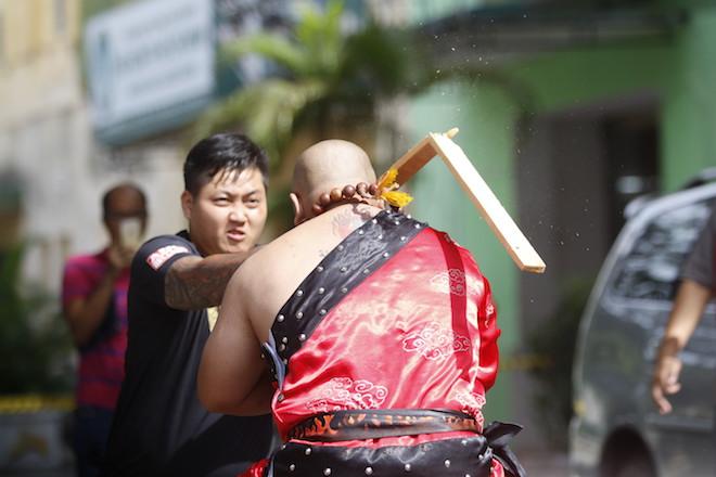 Những hình ảnh ấn tượng của bậc thầy kung-fu VN đi tìm kỷ lục TG - 5