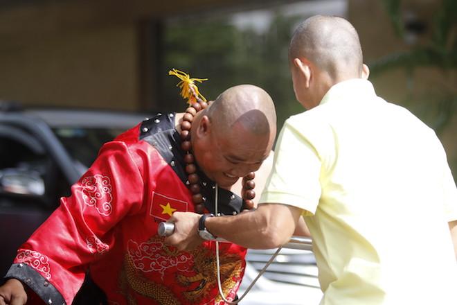 Những hình ảnh ấn tượng của bậc thầy kung-fu VN đi tìm kỷ lục TG - 6
