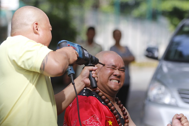 Những hình ảnh ấn tượng của bậc thầy kung-fu VN đi tìm kỷ lục TG - 14