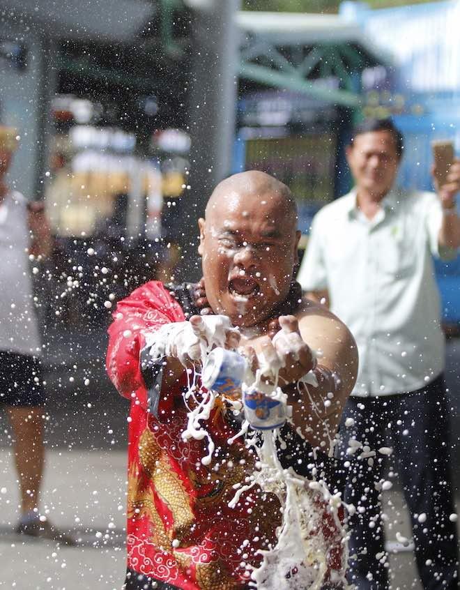Những hình ảnh ấn tượng của bậc thầy kung-fu VN đi tìm kỷ lục TG - 22