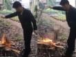 Phẫn nộ cảnh nướng sống chó trên lửa để ăn thịt ở TQ