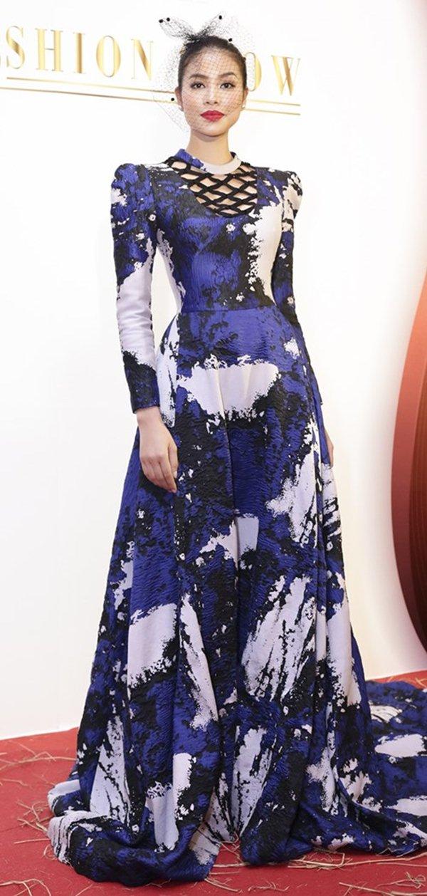 Hồng Quế dẫn đầu sao mặc xấu tuần vì chiếc váy khó hiểu - 2