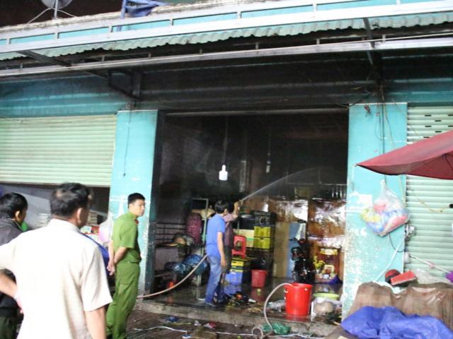 Vợ chồng chủ tiệm vàng đau đớn nhìn 3 người thân chết cháy - 2