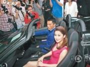 """Gần 50 tuổi vẫn cô đơn, """"Dương Quá"""" gây choáng với bộ sưu tập siêu xe triệu đô"""