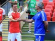 """Ozil tỏa sáng cho Arsenal: """"Show hàng"""" chờ làm cứu viện MU"""