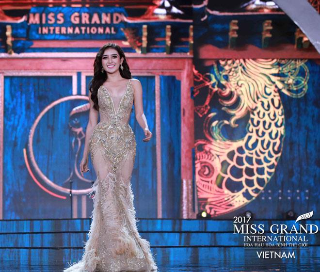 Huyền My trình diễn bikini bốc lửa tại Hoa hậu Hòa bình - 1