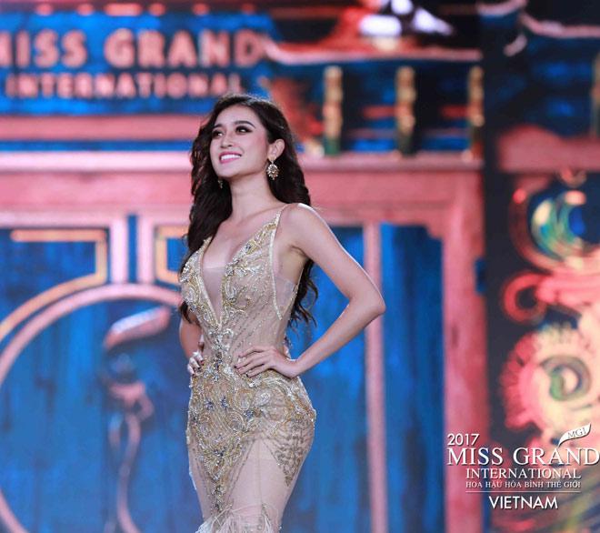 Huyền My trình diễn bikini bốc lửa tại Hoa hậu Hòa bình - 3