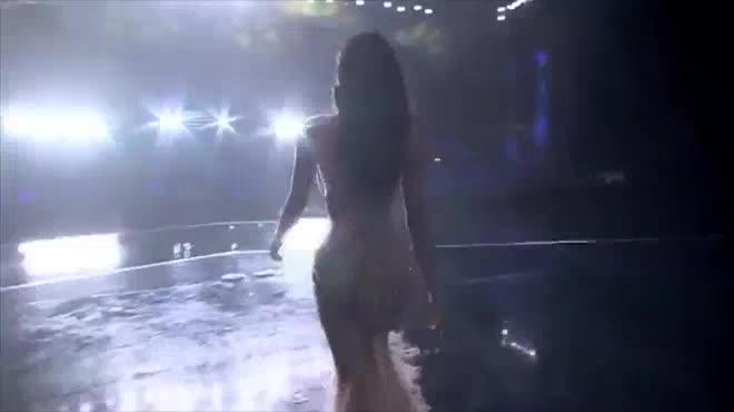 Tiết lộ về váy trăm triệu của Huyền My tại chung kết Hoa hậu Hòa bình