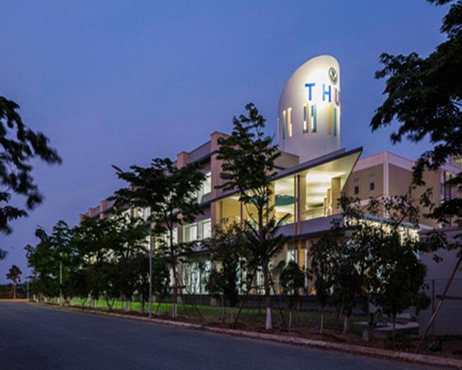 Kiến trúc độc đáo của trường Đại học Nhật Bản tại Việt Nam được ca ngợi - 1