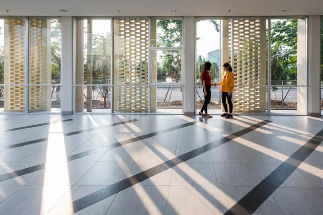 Kiến trúc độc đáo của trường Đại học Nhật Bản tại Việt Nam được ca ngợi - 7