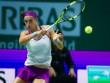 WTA Finals ngày 6: Halep thua sốc, Garcia và Wozniacki vào bán kết