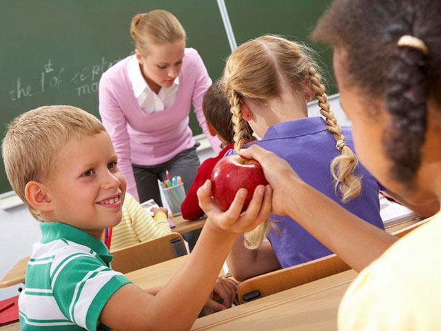 Làm thế nào để con vui vẻ đến trường thay vì mếu máo, khóc lóc? - 2
