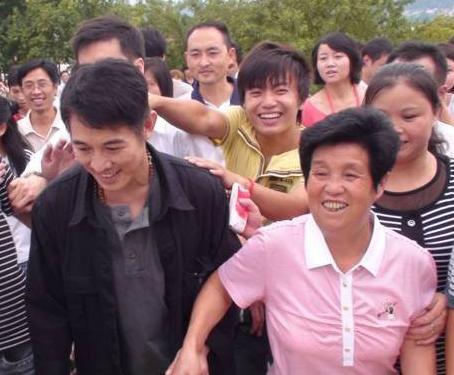 Mẹ nuôi Lý Liên Kiệt được ví như thần y, ngồi tù vì hành nghề trái phép - 4