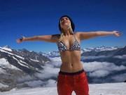 """Mỹ nhân trượt tuyết đẹp kiêu sa khiến nam nhi """"lạc lối về"""""""