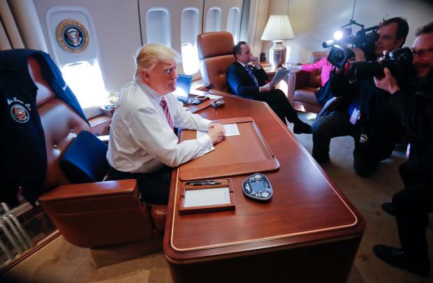 TT Donald Trump đến VN: Cận cảnh chuyên cơ 'pháo đài' Air Force One - 6