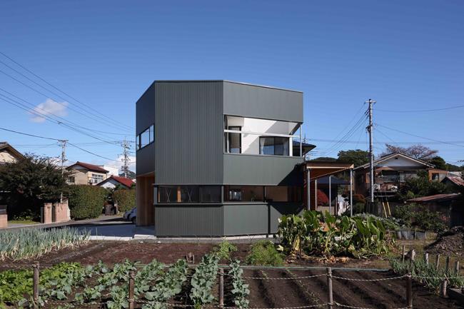 Ngôi nhà có hình lục giác ngày tọa lạc tại một vùng nông thôn thuộc tỉnh Gunma, Nhật Bản.