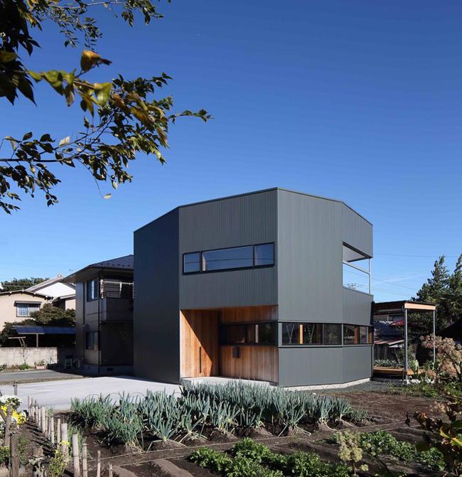 Căn nhà rộng 115 m2, được thiết kế 2 tầng.