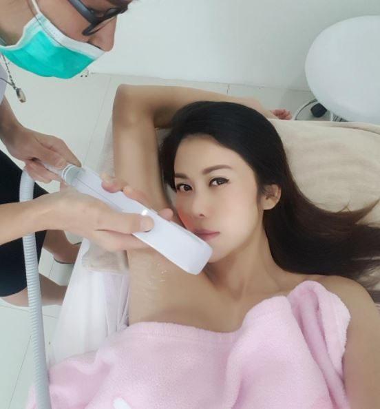 """Sao Thái Lan 43 tuổi """"lột xác"""" ngoạn mục sau khi bị chồng bỏ vì xuống sắc - 7"""