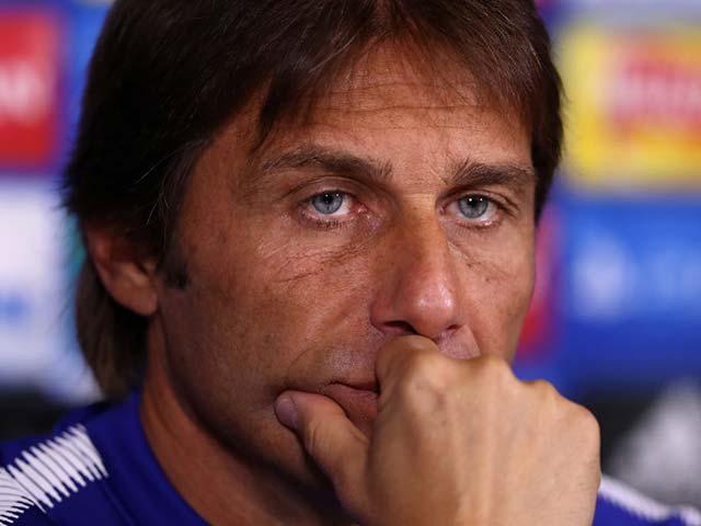 Chuyển nhượng MU: Griezmann và Ozil, Mourinho chọn ai? - 4